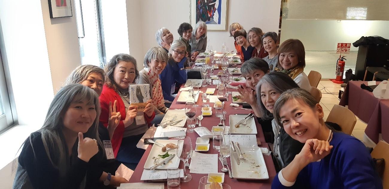 「グレイヘア東京」では定期的にオフ会を開催しています(山中さん提供)
