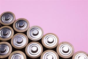 アルカリ乾電池は本当に長持ちなの?