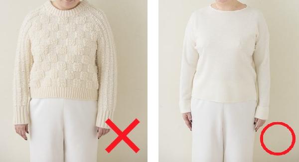 もこもこのデザイン(左)は太って見えますが、ほどよい襟の開き(右)ですっきりした印象に。