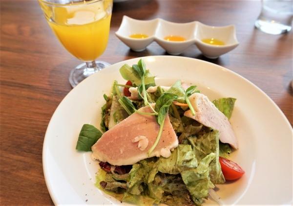 緑果豚ハムのサラダ