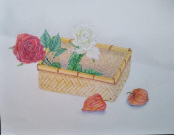 色鉛筆デッサンで何度も色を重ねた「竹籠と造花」