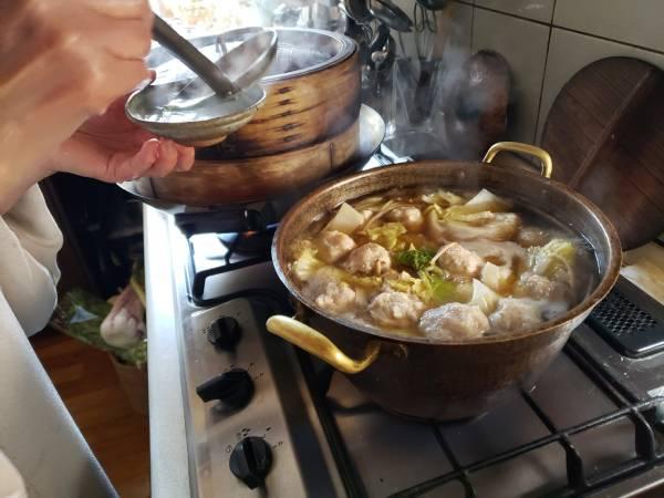これが、絶品の「れんこん団子鍋」!