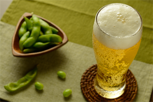 ビールを飲むと太るって本当?