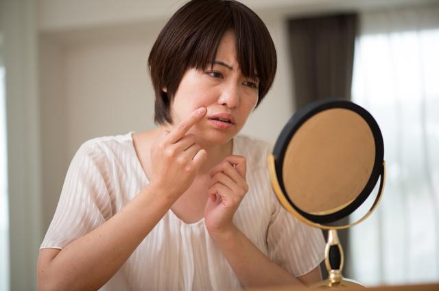 丸顔の女性はほうれい線ができやすい
