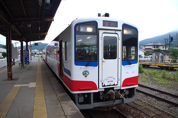 三陸鉄道の基本のカラーリングの車両
