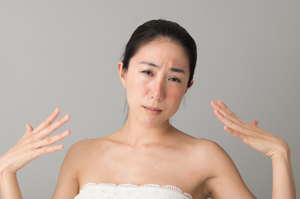 肌の違和感はアレルギーが原因?