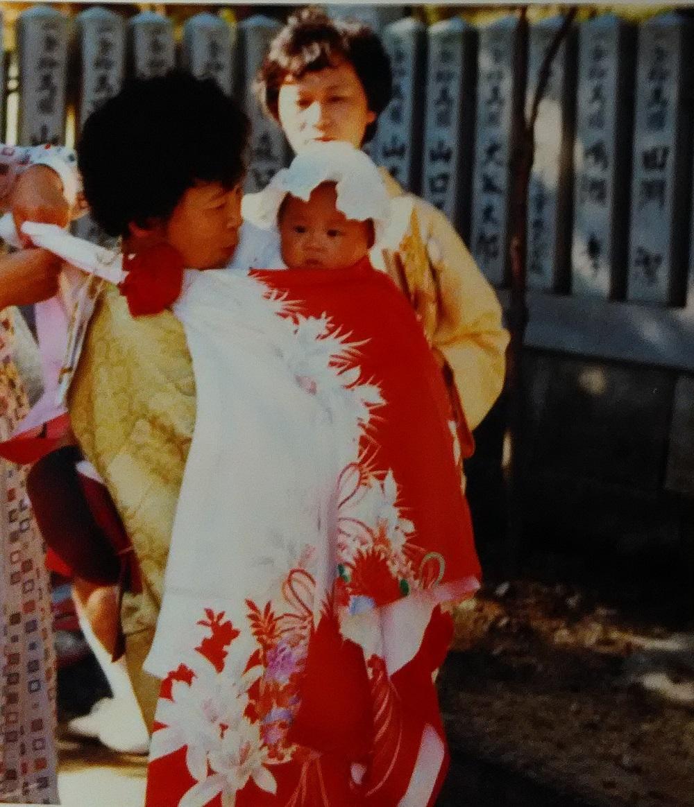 長女が誕生したときに両親からもらった一つ身です。二人の娘がよく着ました