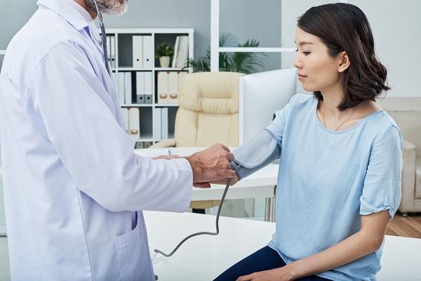 更年期を過ぎると女性の高血圧が増える