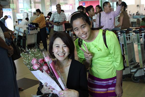 ミャンマーの障害者支援団体の職員の方(肢体不自由者)に空港で出迎えられた。