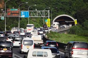 高速道路なのになぜ渋滞するの?