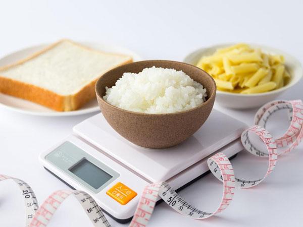 50代女性に炭水化物抜きダイエットはオススメできない