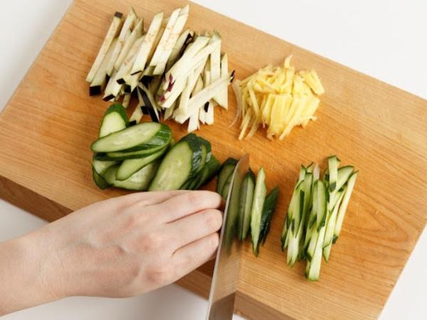 野菜の塩もみの作り方