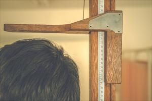 日本人の身長が低くなってるって本当?