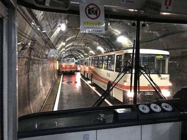 立山トンネルトロリーバス
