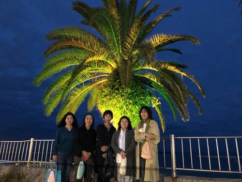 熱海の海岸の夜景