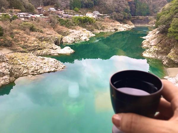 吉野川に乾杯