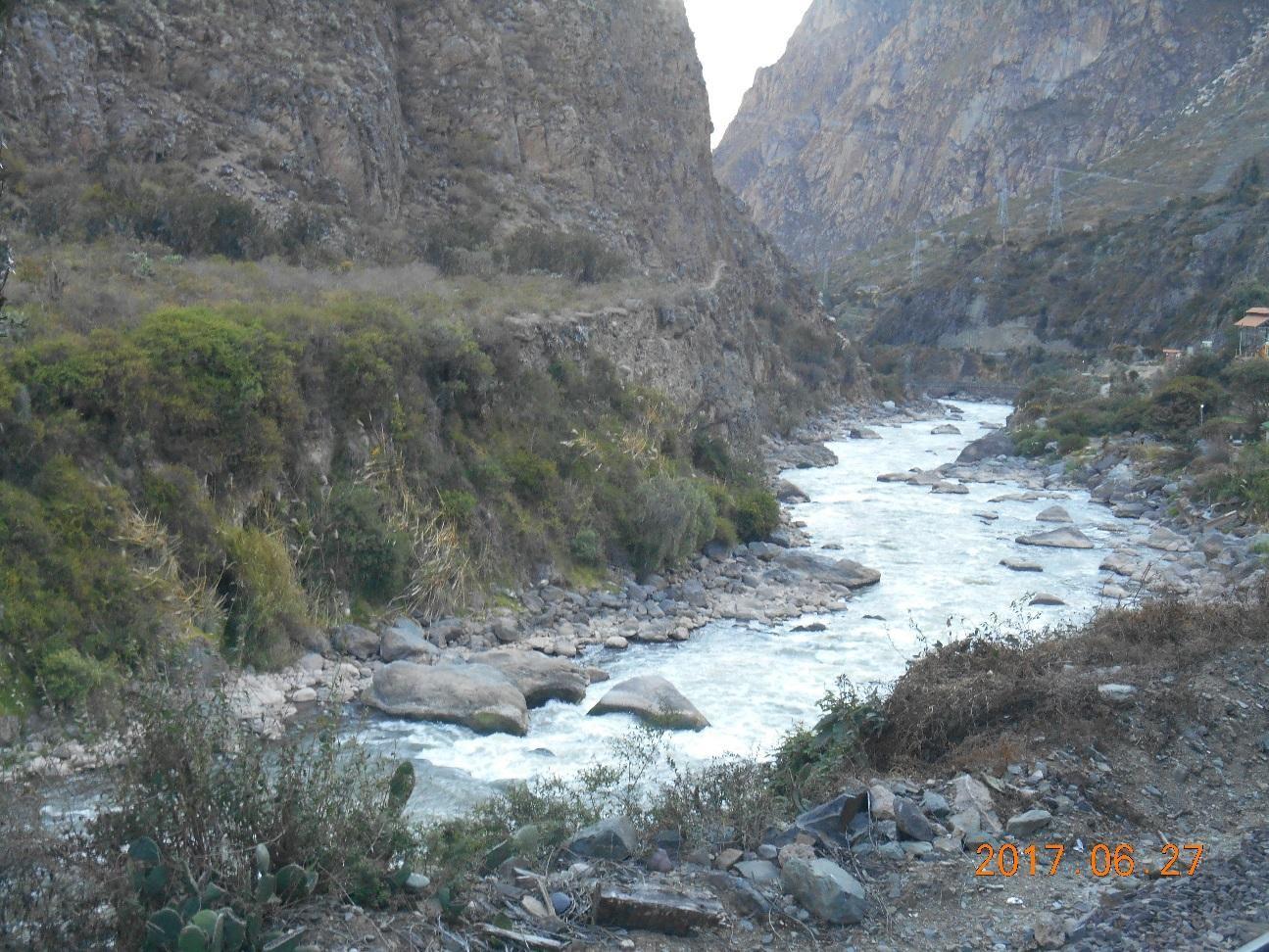 ウルバンバ川に沿ってマチュピチュへ