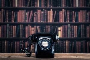 なぜ今、黒電話が人気?