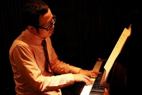 須藤信一郎(すどうしんいちろう)さん(ピアノ演奏)