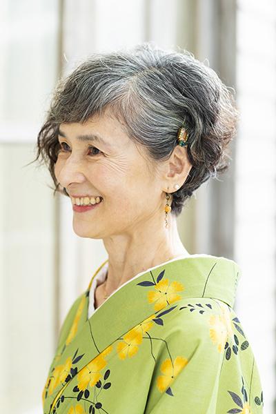 グレイヘア安久井千穂子