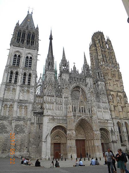 ルーアン市内のゴシック様式・ノートルダム大聖堂