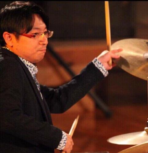 川島佑介(かわしまゆうすけ)さん(ドラム演奏)