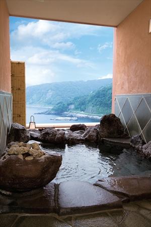 海辺の一角のような秘湯感のある「水がき」の露天ー赤沢日帰り温泉館