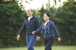 一日何歩くらい歩くと健康的なの?