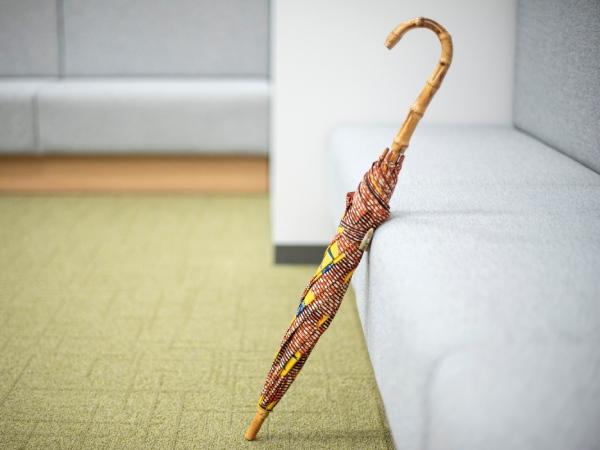 アフリカの布を使用した傘