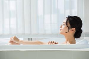 朝風呂と夜風呂、それぞれどんな効果があるの?